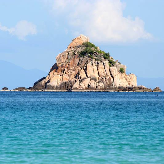 http://www.dreamstime.com/stock-photo-shark-island-image2823900